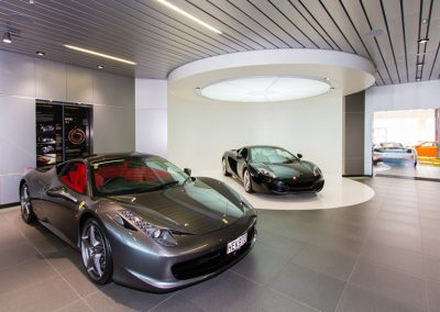 Giltrap-McLaren-Showroom_4